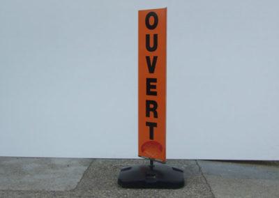 Divers PLV - Publicité Décor - Pose d'enseignes, signalétique, totems, adhésifs sur véhicules