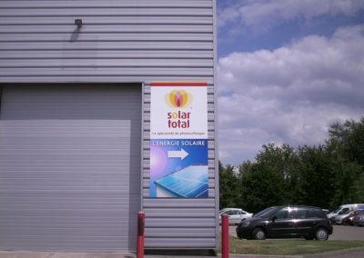 Panneaux et supports visuels - Publicité Décor - Pose d'enseignes, signalétique, totems, adhésifs sur véhicules